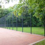 Bau eines Tennen-Sportplatzes